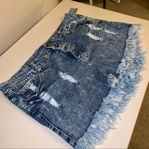 NWT Forever 21 Frayed Button Up Shorts